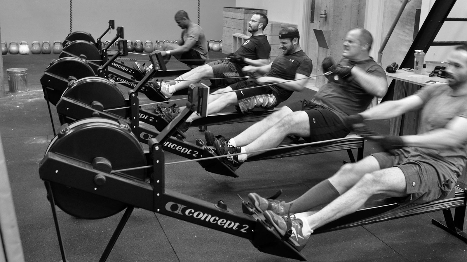 crossfit-rowing-1937d3f05b654bb620c3c313252e04d3